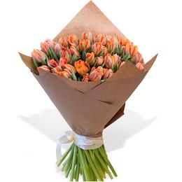 Букеты из 50 Пионовидных Оранжевых Тюльпанов в Крафте