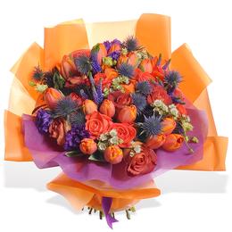 Букет из роз, тюльпанов и эрингиума ПЛАНЕТА ЦВВЕТОВ
