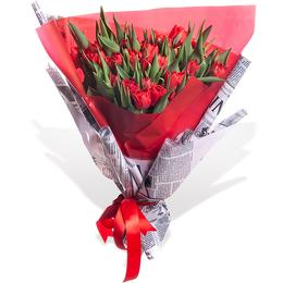 Букет из 35 Красных Тюльпанов в Современной Упаковке