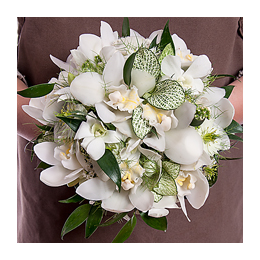 Свадебный Букет Невесты из Белых Орхидей Цимбидиум, Орхидей Дендробиум, Рускуса, Фиттонии, Нигеллы