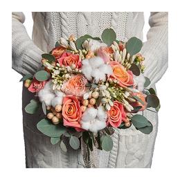 Свадебный Букет Невесты из Розы, Садовой Розы, Хлопка, Агапантуса, Гиперикума