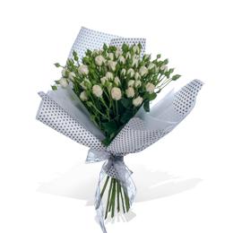 Букет из белой кустовой розы