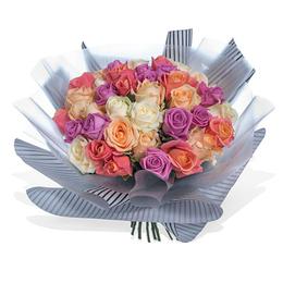 Букет из 41 Разных Роз в Упаковке Тренд