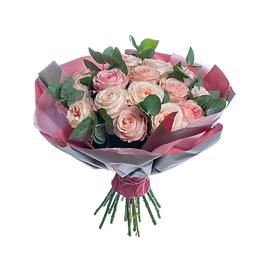 Букет из ароматной садовой розы и эвкалипта