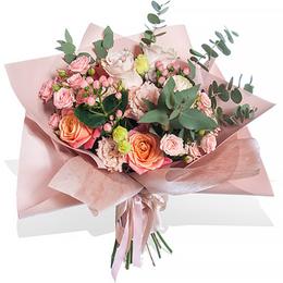 Букет из Кремовой Розы, Эустомы, Гиперикума, Розы кустовой и Эвкалипта салон Планета цветов