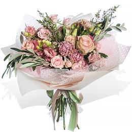Букет из Розовой Эустомы, Розы, Гвоздики, Хамелациума и Листьев Оливы, салон Планета цветов