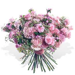 Букет из Розовых Роз, Гвоздики Селект и Ягод Москва
