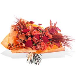 Букет из Оранжевых Роз, Каллы Манго, Шиповника и Картаделии Москва
