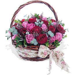 Корзина из Красных и Розовых Роз с Винтажным Бантом ПЛАНЕТА ЦВЕТОВ