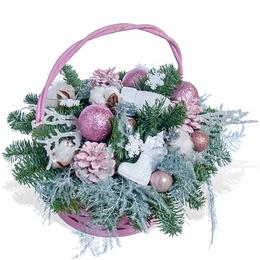 Новогодняя корзина из живой Хвои,Хлопка, Розовых Шишек, Шаров и Плюмозеса