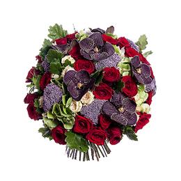 Букет из орхидеи ванды, садовых кустовых роз, одноголовых роз и гортензии