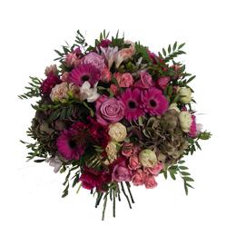 Букет из гортензии, кустовых садовых роз, одноголовых роз, гербер и фрезии