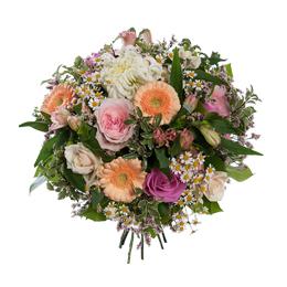 Букет из хризантемы, гербер и роз