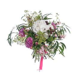 Букет из гортензии, кустовых садовых роз и матиолы