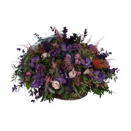 Корзина из орхидей ванда, ранункулюсов или садовых роз, роз и леукоспермумов