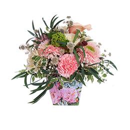 Композиция из каллы, махровых гербер, роз и гвоздик