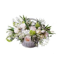 Корзина из Роз, Пионовидных Роз, Сирени и Тюльпанов