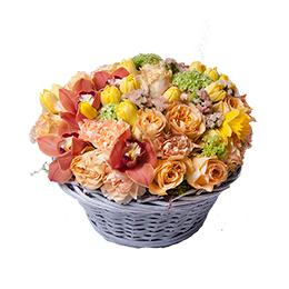 Корзина из Роз, Орхидей, Тюльпанов, Нарцисса и Вибурнума