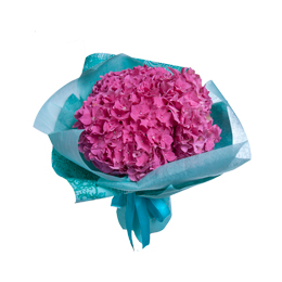 Букет из розовой гортензии в крафте