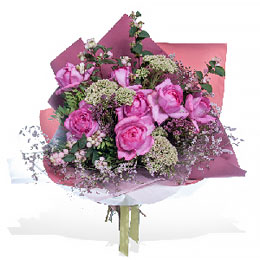 Букет из Ароматной Розы, Лимониума и Снежноягодника