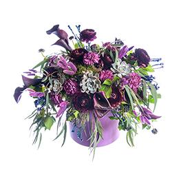 Цветы в Шляпной коробке Роза Калла Ранункулюс Гвоздика и Эвкалипт