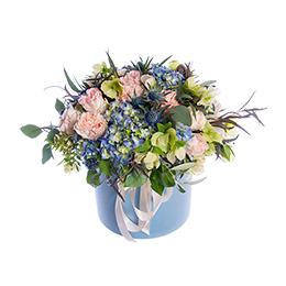 Цветы в Шляпной Коробке Розы Гортензии Хелеборуса Розы Кустовой