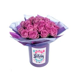 Цветы в коробке. Букет из розовой розы в крафте на акваупаковке